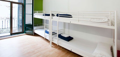 10-Bed-dorm-Lluria