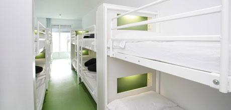 14-Bed-Dorm_ensuite_RP