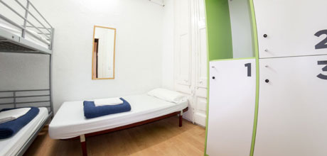 3-Bed-dorm-Lluria