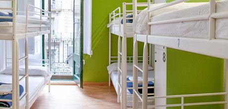 6-Bed-dorm-Lluria