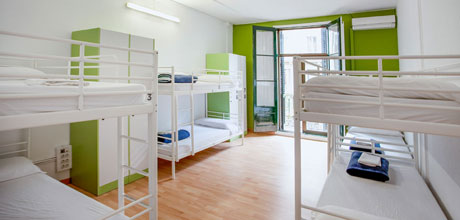 8-Bed-dorm-Lluria