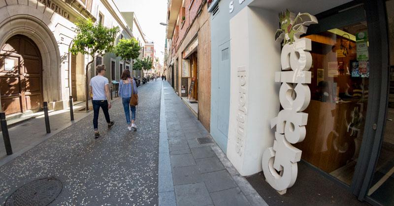 front entrance - gracia hostel barcelona