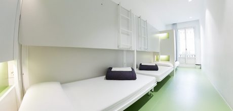 3-bed private - rock palace hostel barcelona