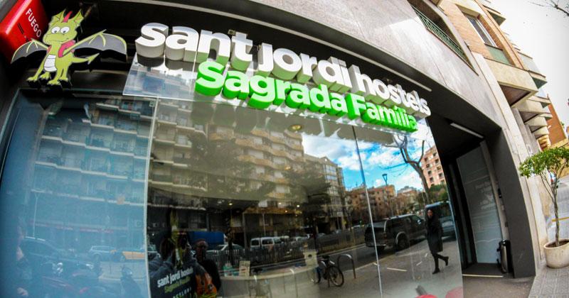 front entrance sign - sagrada familia hsotel barcelona