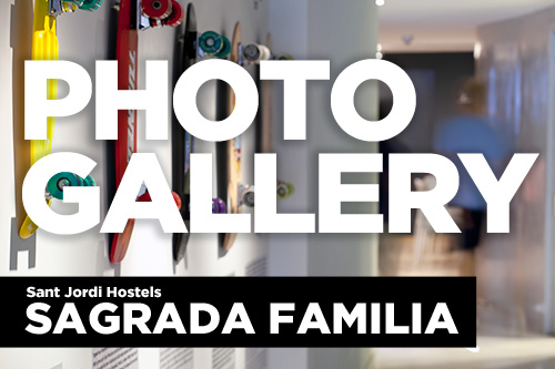 photo gallery button - sagrada familia hostel barcelona