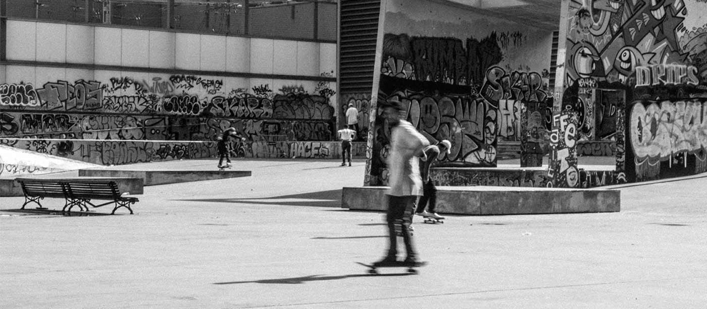 Barcelona extreme skater amateur